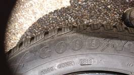 Good Year Ultra Grip 9 185/60R15 Reifen inklusive