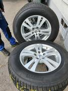 Alufelgen mit Winterbereifung von Pirelli 235/65 R